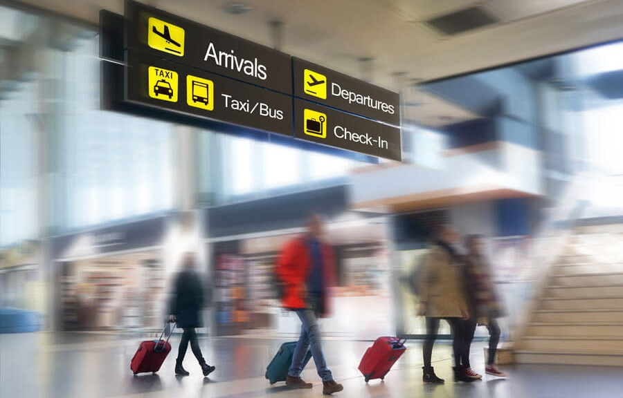 4 Reasons Why You Should Choose An Airport Taxi Service