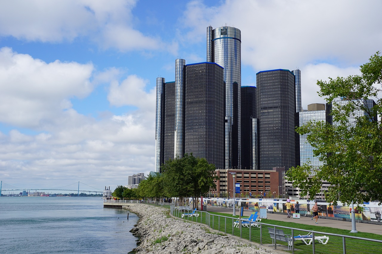 Being Car-less in Detroit isn't difficult at all