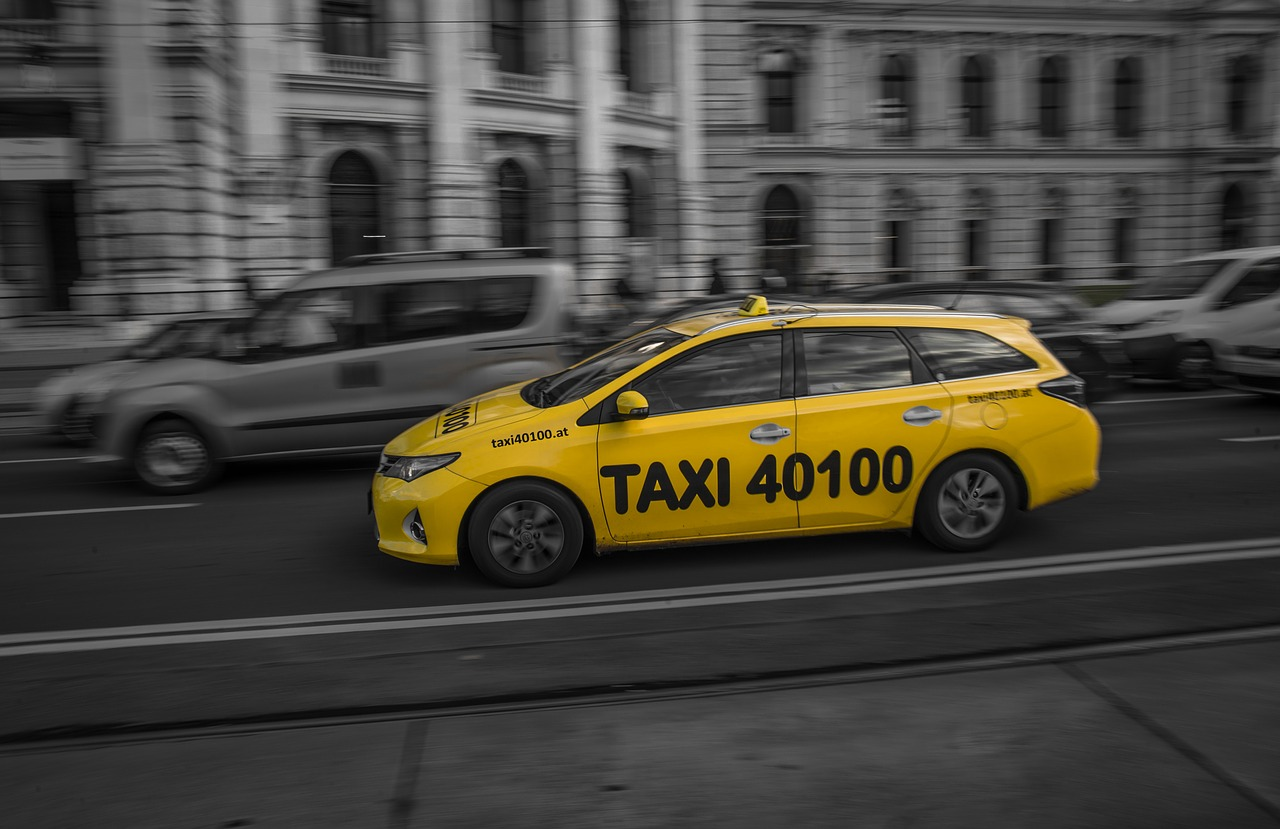 Personal safety tips while traveling in Detroit Airport Taxi